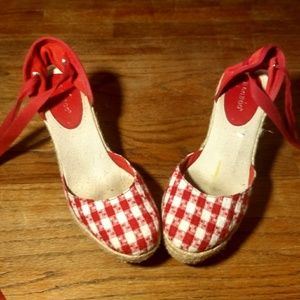 Bamboo Red and White wedges
